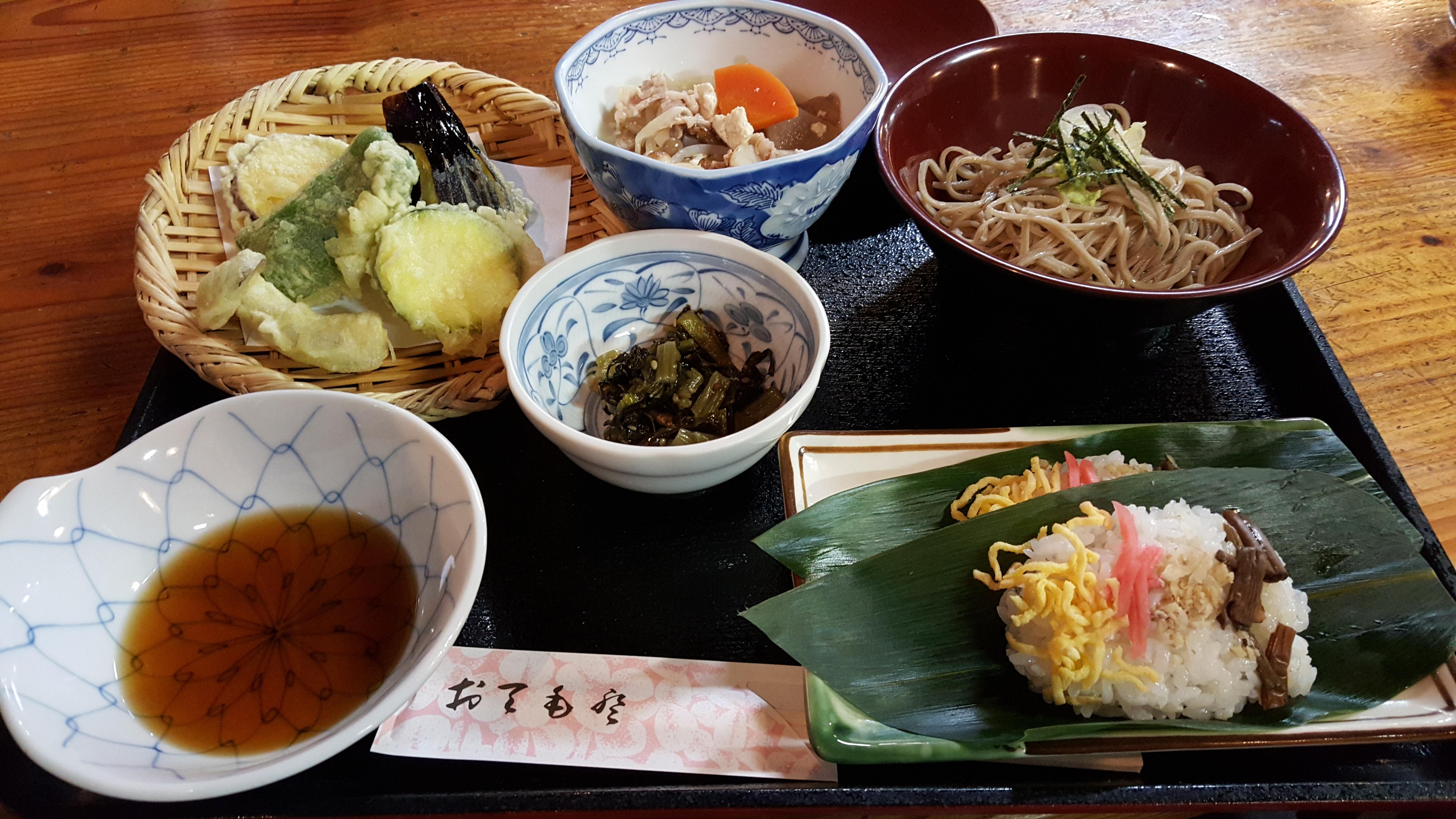 Maguse dinner.jpg