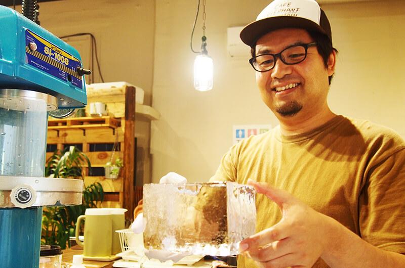 松代町のCafe Elephant Mountain(カフェ エレファントマウンテン)店長の岡田浩明さん