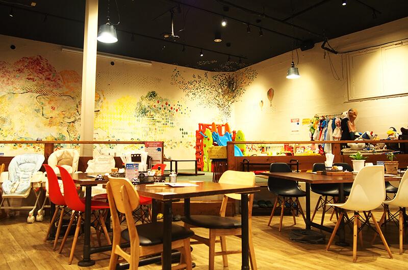 松代町のCafe Elephant Mountain(カフェ エレファントマウンテン)店内