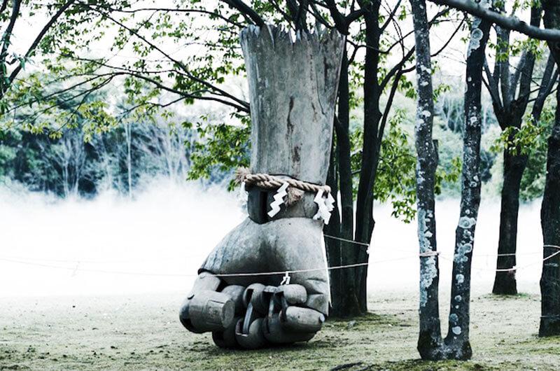 木彫にポップカルチャー的要素を融合させ、現代アートヘと昇華させる彫刻家・淺野健一さんの作品