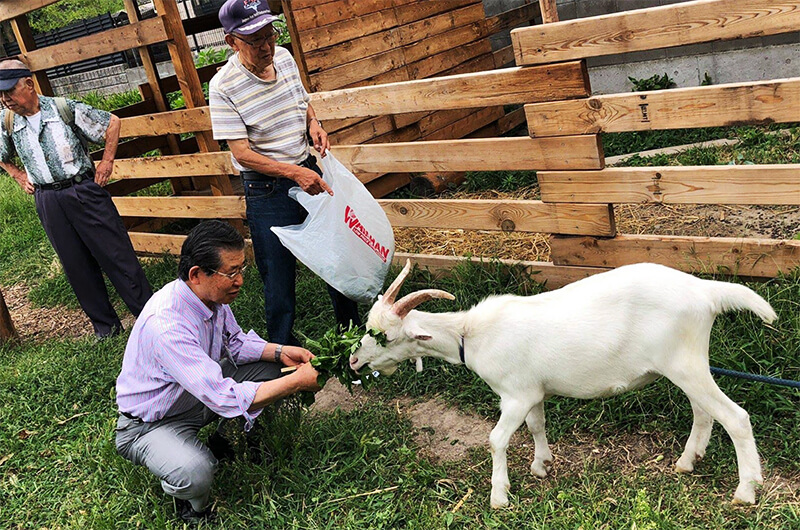 2018年8月には、地域におけるコミュニティづくりの視察として、加藤久雄長野市長も訪問(写真提供:『まち畑プロジェクト』)
