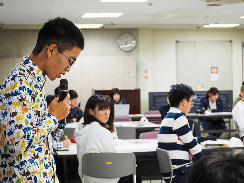イベントで進行を務める中澤さん。事前準備から当日運営までFourth Placeメンバーが中心となって行ないました(写真提供:中澤さん)